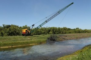 dragline-at-work-clearing-canal-number-one-west-bank-demerara