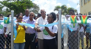 agriculture-minister-noel-holder-accompanied-by-the-ceo-principal-and-other-representatives-and-students-of-gsa-as-he-commissions-the-climatological-station
