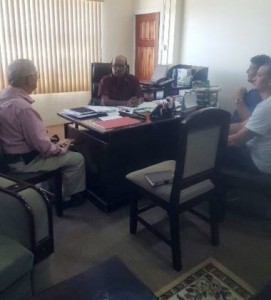 ceo-of-narei-dr-oudho-homenauth-and-team-in-discussion-with-denys-bourque-amcars-project-manager